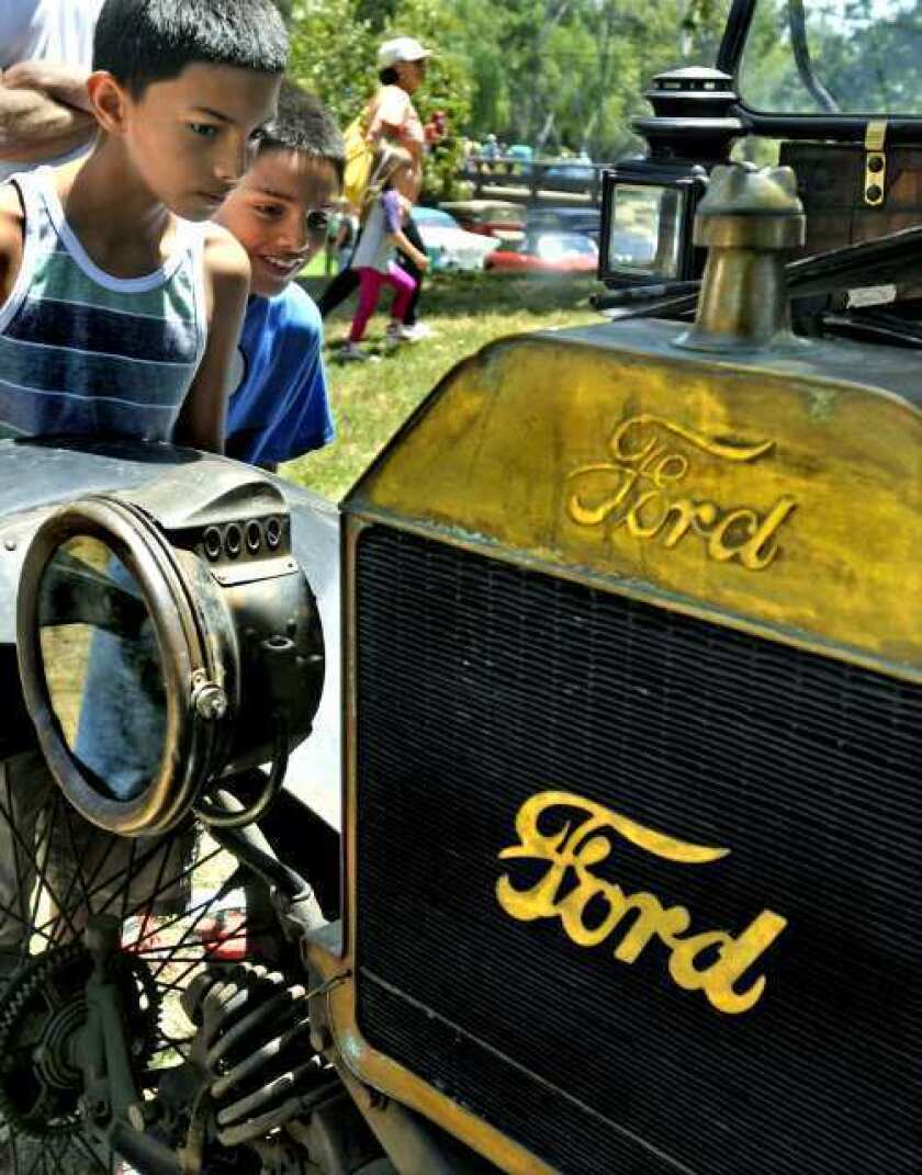 Burbank car show attracts hot rod enthusiasts