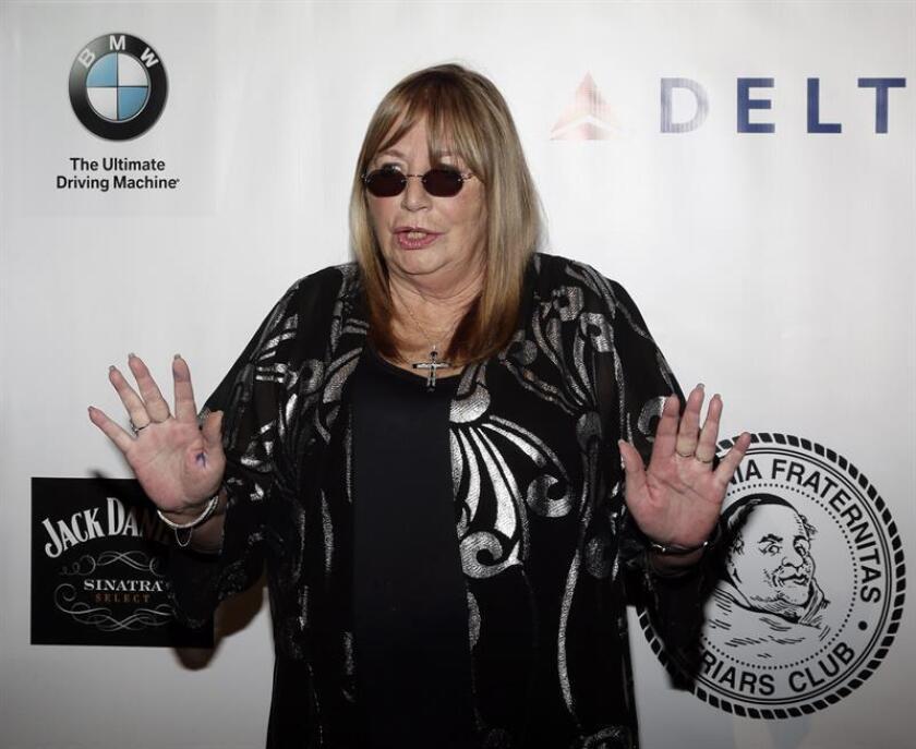 La actriz y directora estadounidense Penny Marshall asiste el 7 de octubre de 2014 a la Gala del Club de la Fundación Friars en el hotel Waldorf Astoria en Nueva York (EE.UU.). EFE/Archivo