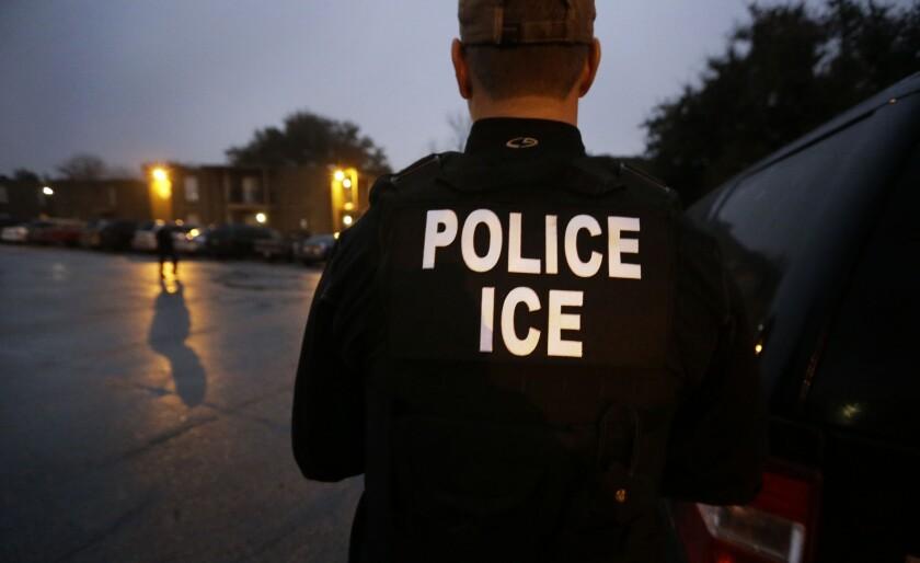 Los inmigrantes y las deportaciones: 'En los dos lados de la frontera sufrimos'