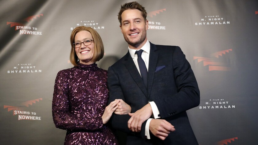 """Mandy Moore and Justin Hartley in """"This Is Us"""" on NBC."""