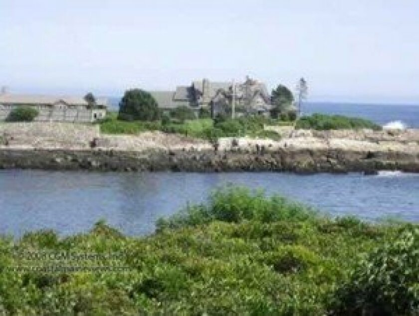 Former president George H.W. Bush had his Walker's Point home in Kennebunkport, Maine as his retreat.