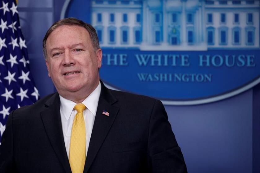 El secretario de Estado de los Estados Unidos, Mike Pompeo, responde a preguntas de medios durante una rueda de prensa. EFE/Archivo