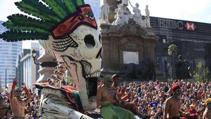 Ciudad De México Celebra Primer Desfile De Día De Muertos