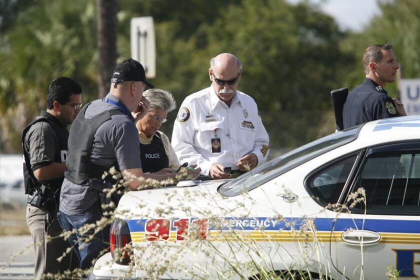 La Policía de Orlando informó hoy de la muerte, por disparos de tres agentes, de un hombre que dijo estar armado y amenazó con matar a quien se le acercara en el Centro Médico Regional (CMR) de esa ciudad del centro de Florida. EFE/Archivo