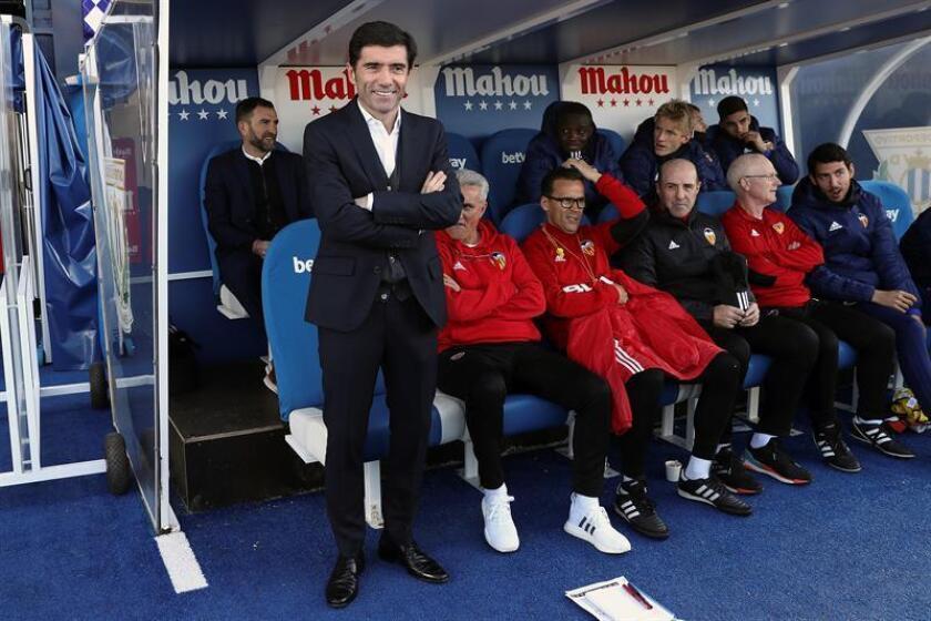 El entrenador del Valencia, Marcelino García (i) durante un partido. EFE/Archivo