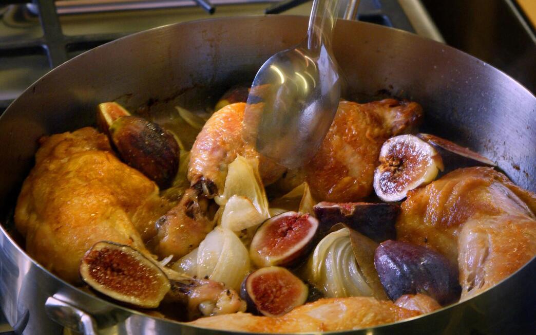 Chicken Braised With Figs, Honey and Vinegar