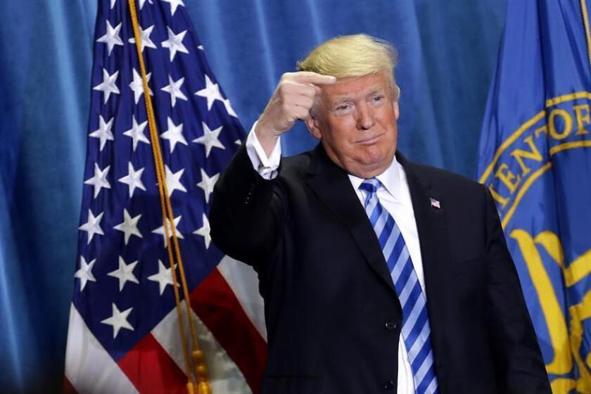 El presidente de los Estados Unidos, Donald J. Trump, anuncia un plan para revisar la forma en que Medicare paga ciertos medicamentos hoy, jueves 25 de octubre de 2018, durante un discurso en el Departamento de Salud y Servicios Humanos en Washington, DC (EE. UU.). EFE/Chiip Somodevilla/PROHIBIDO SU USO POR AFP/POOL