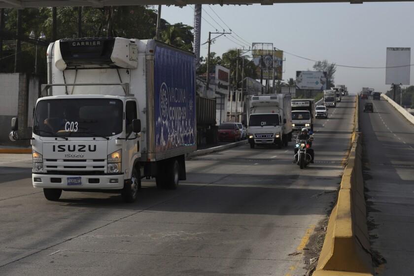 Camiones del ministerio de Salud parten de San Salvador, El Salvador