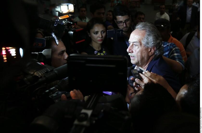 Decio de María, presidente de la Federación Mexicana de Futbol, calificó la derrota ante Chile por 7-0 como vergonzosa y mencionó que de nada sirve tener una racha de veintitantos partidos sin perder si no se llega a la victoria en el partido más importante.