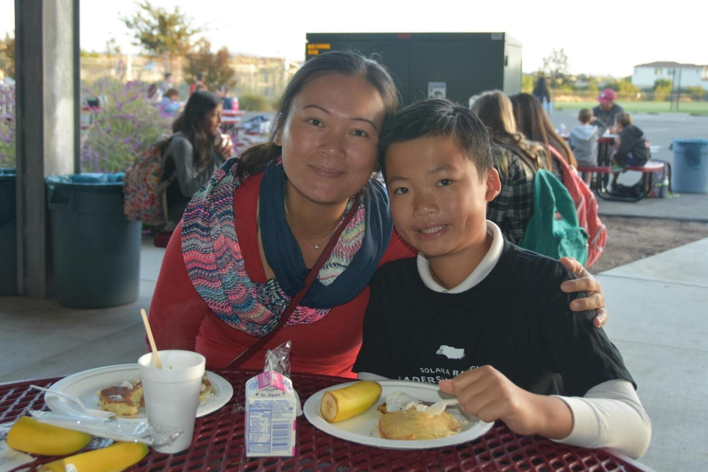 Solana Ranch Dads' Club Pancake Breakfast and Veterans Day assembly