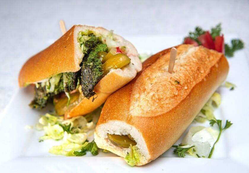 la-photos-1staff-460420-la-fo-persian-restaurants-attari-grill2-mam-182606956