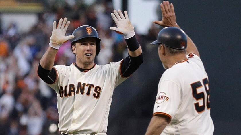 Dodgers fall to Giants, 5-4, on Buster Posey's walk-off single in the 10th inning