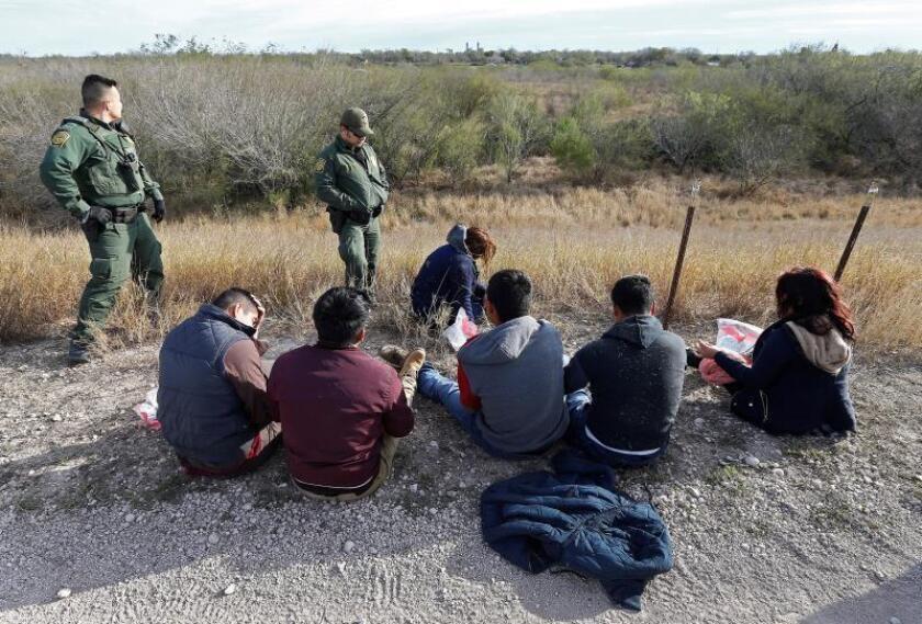 Arrestos en sector de frontera sumará récord de más de 300.000, congresista