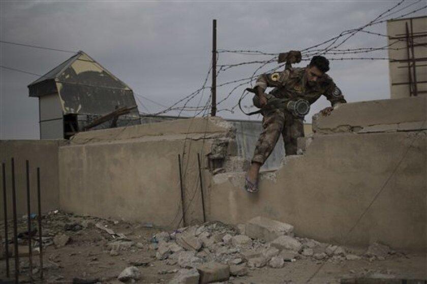Al menos 4 civiles, incluida una niña, murieron hoy y otros 13 resultaron heridos en ataques con morteros del grupo terrorista Estado Islámico (EI) a barrios del este de la ciudad septentrional iraquí de Mosul.