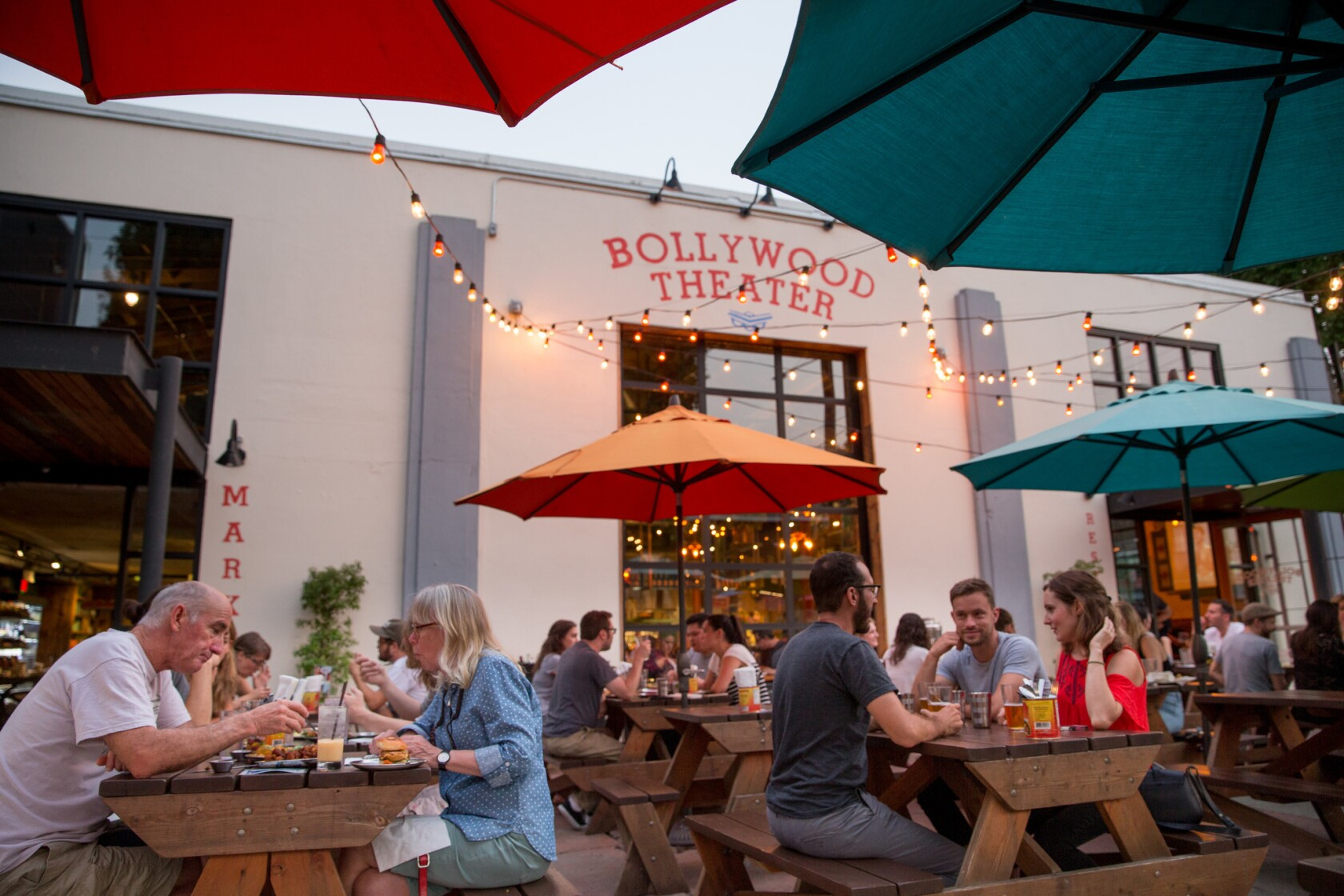 In Portland, ignore the mizzle (mist and drizzle) and enjoy dining outside, Pacific Northwest style