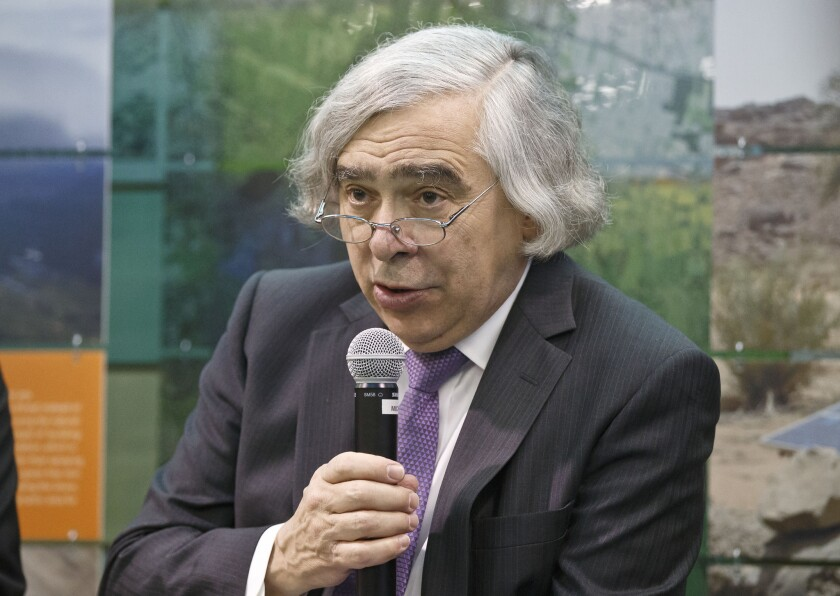 At the climate summit in Paris, U.S. Energy Secretary Ernest J. Moniz has focused on the promise of new energy technology to persuade nations to adopt ambitious targets for reducing carbon emissions.