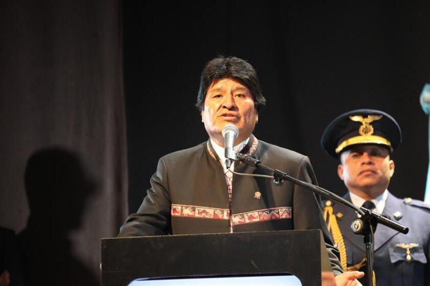 El presidente de Bolivia, Evo Morales, habla tras recibir el doctorado Honoris Causa de la Universidad Metropolitana para la Educación y el Trabajo, en Buenos Aires (Argentina). EFE/Archivo