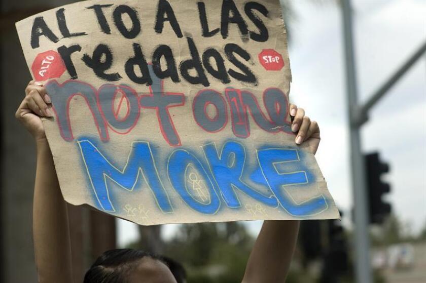El Programa de Cumplimiento Prioritario (PEP), que busca la colaboración de autoridades locales para la deportación de indocumentados, viola las limitaciones legales, según un informe de la Asociación Americana de Abogados de Inmigración (AILA) y Centro Nacional de Justicia Inmigrante (NIJC). EFE/Archivo