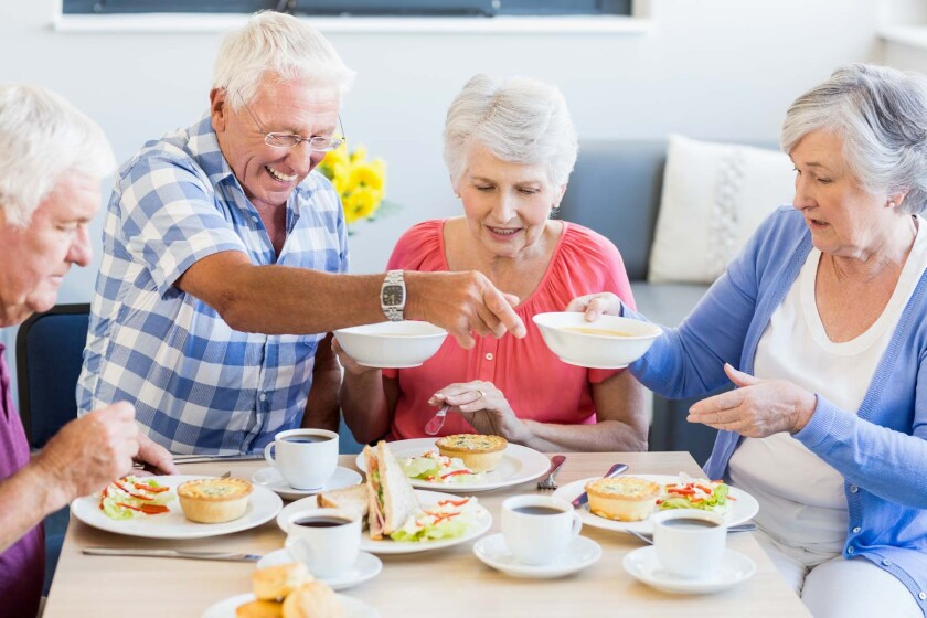 Seniors eating - clip art (Adobe Stock)