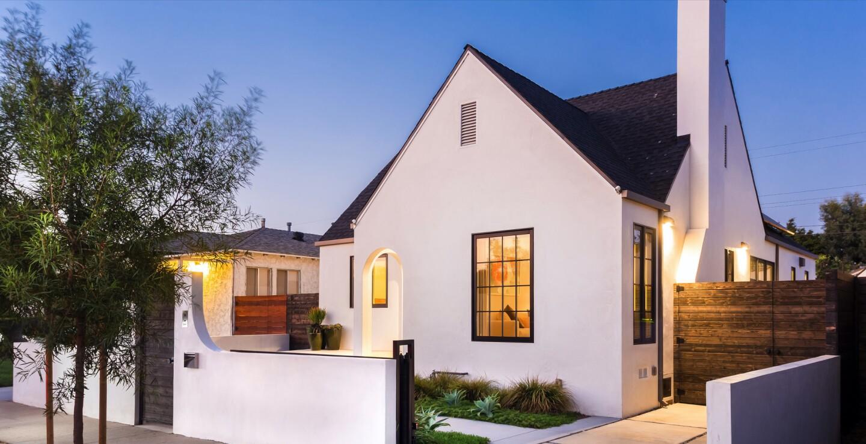 Custom-built cottage in Del Rey | Hot Property
