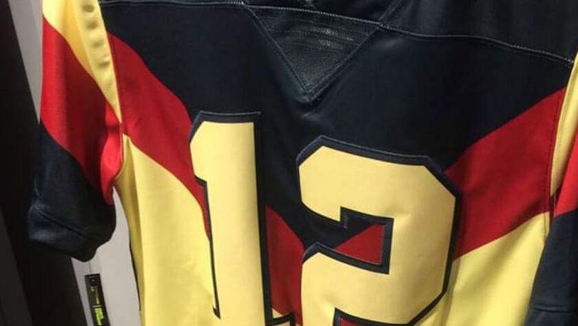 El nuevo jersey del América tiene el estilo de los equipos de futbol americano.