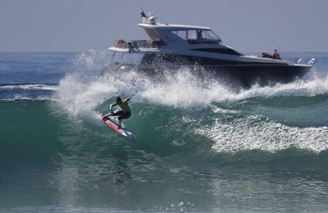 Carissa Moore, do Havaí, reduziu seu caminho para se tornar a campeã mundial nas finais da World Surf League.