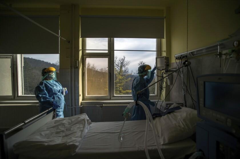 Virus Outbreak Death Ventilators