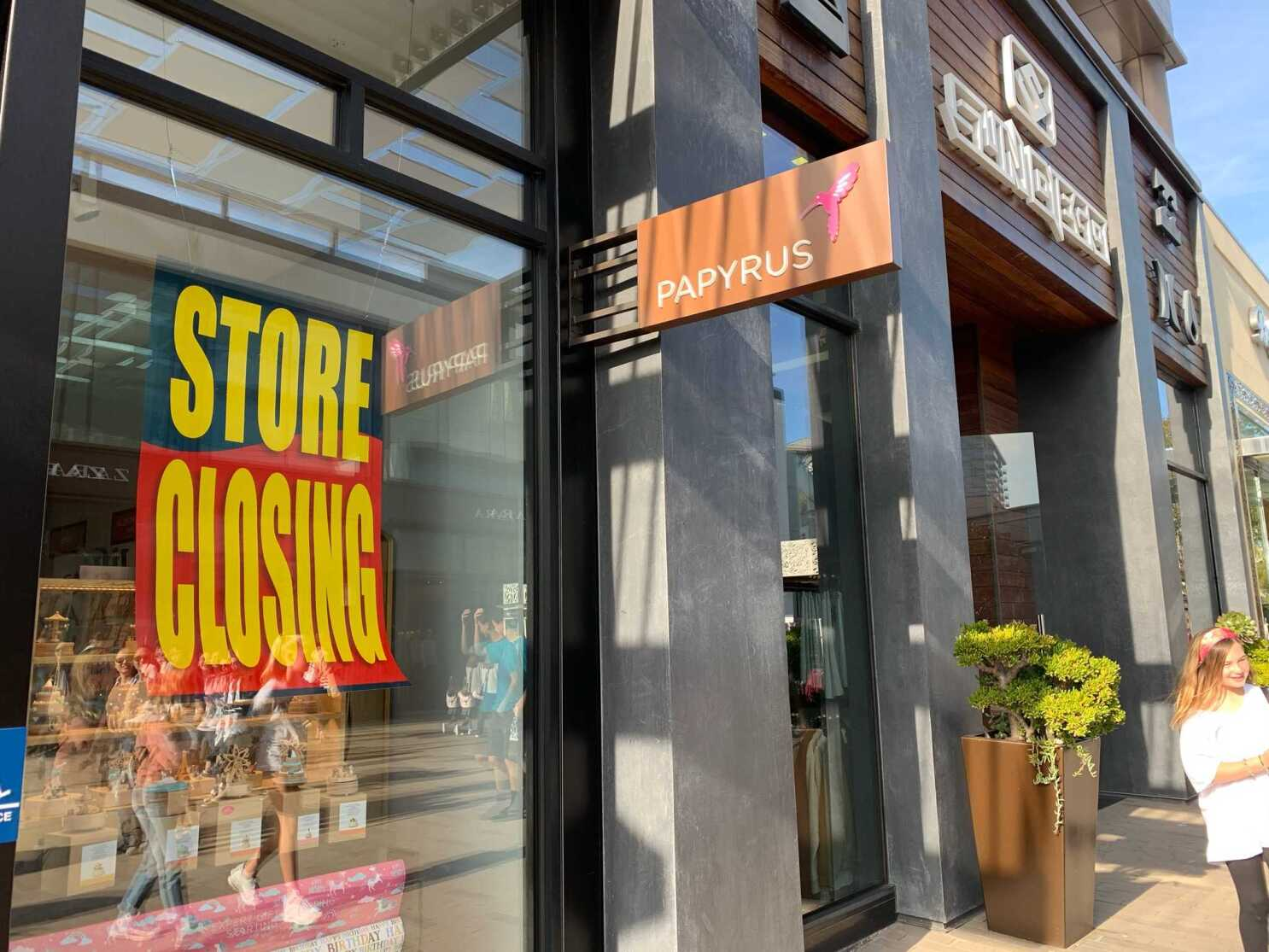 Papyrus, a staple of malls everywhere, is going bankrupt — closing 3 stores in San Diego