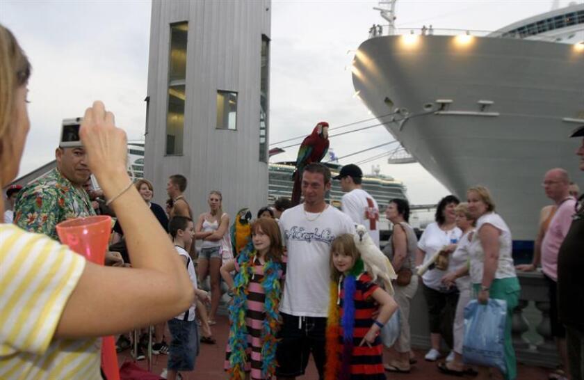 La alcaldesa de San Juan, Carmen Yulín Cruz, anunció hoy que el municipio está listo para recibir a más de 12.826 pasajeros de cuatro barcos de crucero que llegarán hoy al viejo San Juan. EFE/Archivo