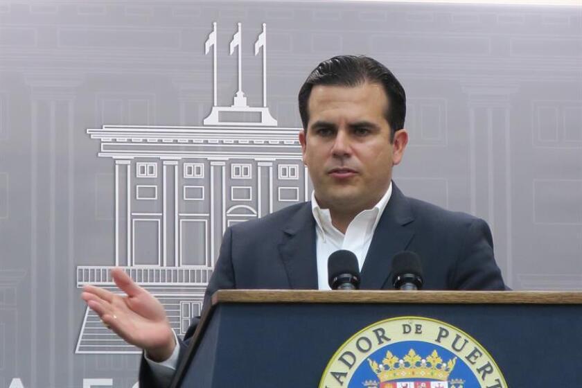 El gobernador de Puerto Rico, Ricardo Roselló, habla durante una rueda de prensa. EFE/Archivo