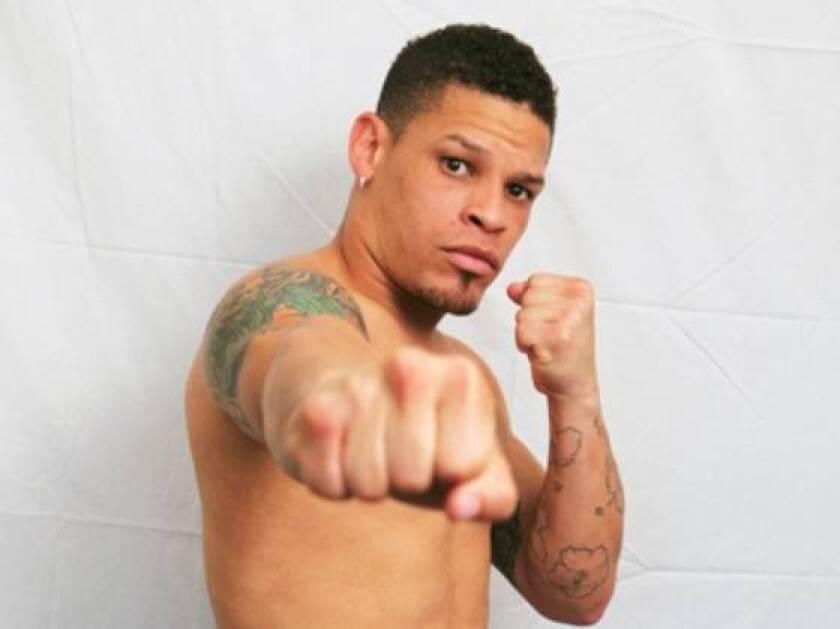 Boxer Orlando Cruz announces he's gay