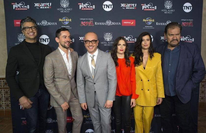 Colombian journalist Juan Carlos Arciniegas (3L), of CNN, poses with actors Jaime Camil (L), Luis Gerardo Mendez (2L), Karla Souza (3R), Angie Cepeda (2R) and Joaquin Cosio (R) after a press conference to announce the Platino Awards nominees, at the Roosevelt hotel, in Los Angeles, California, United States, 21 March 2019. EPA - EFE/ Armando Arorizo