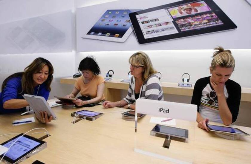 Apple admits error and reverses store-staffing changes