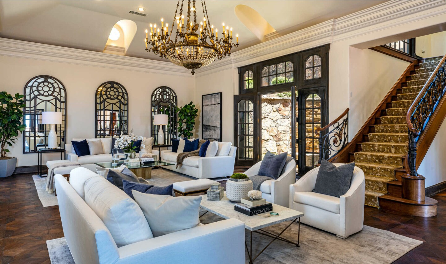 Kelsey and Camille Grammer's former Malibu compound