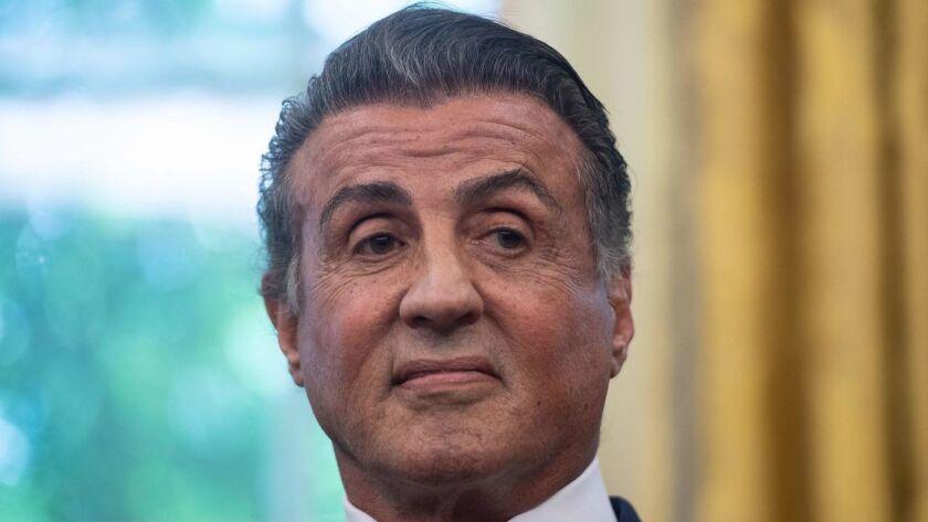 El abogado de Stallone dijo que el actor había sido notificado de la acusación y que había negado categóricamente los reclamos. (Nicholas Kamm / AFP / Getty Images)
