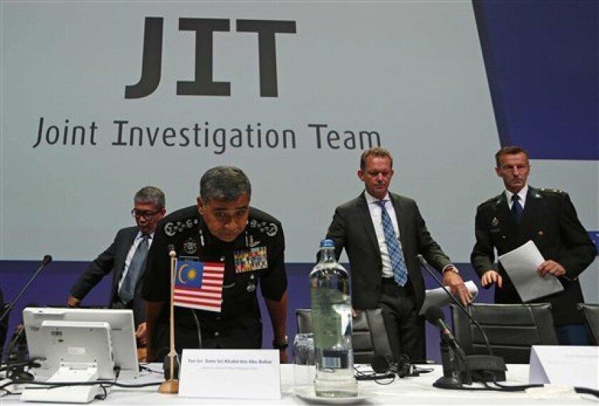 El vuelo de Malaysia Airlines MH17 que cayó el 17 de julio de 2014 en el este de Ucrania fue derribado por un misil del sistema antiaéreo Buk que fue transportado desde Rusia y disparado desde la zona separatista, informó hoy la Fiscalía holandesa, a la que citan medios locales.