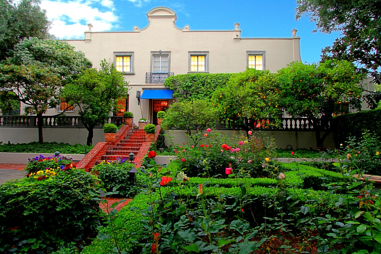 Vintage SoCal | Pasadena Villa
