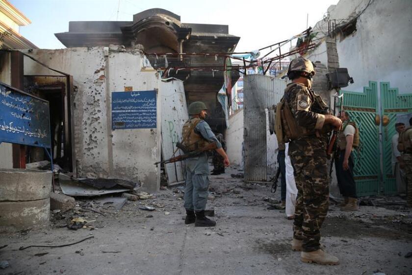 Tres soldados miembros de la misión 'Apoyo Decidido' (Resolute Support) de la OTAN murieron hoy por el ataque de un terrorista suicida durante una patrulla combinada con las fuerzas afganas en el este de Afganistán, informaron fuentes militares. EFE/ARCHIVO