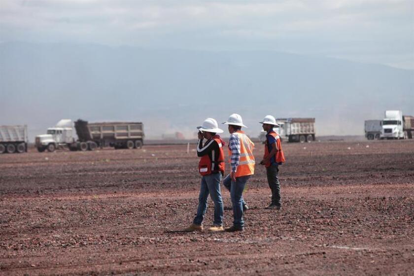 La empresa de participación estatal mayoritaria Grupo Aeroportuario de la Ciudad de México (GACM) anunció hoy en un evento celebrado en la capital mexicana el fallo de la licitación a favor de Sacyr Construcción México, en participación conjunta con Sacyr Construcción y Epccor. EFE/Archivo