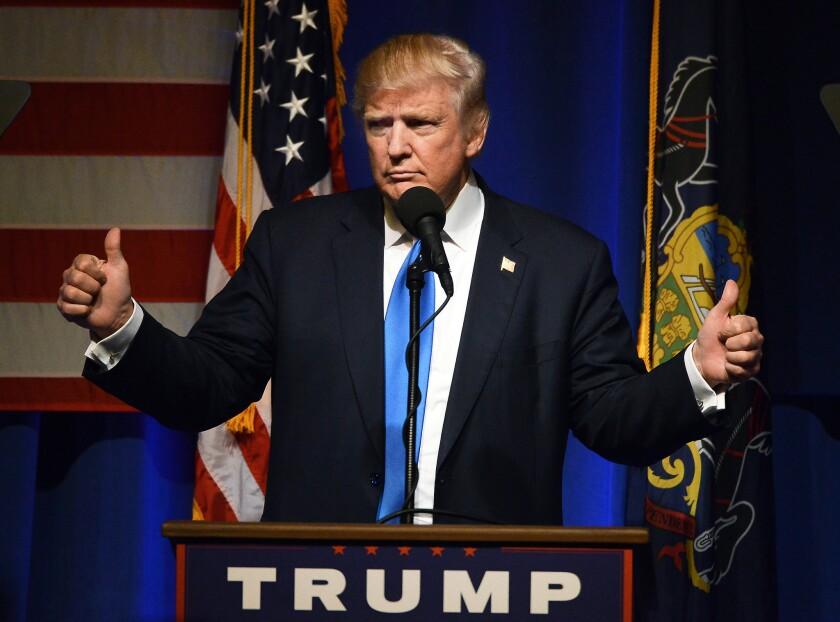 El candidato republicano Donald Trump preside un acto en Scranton, Pennsylvania, 7 de noviembre de 2016. (Butch Comegys/The Times & Tribune via AP)