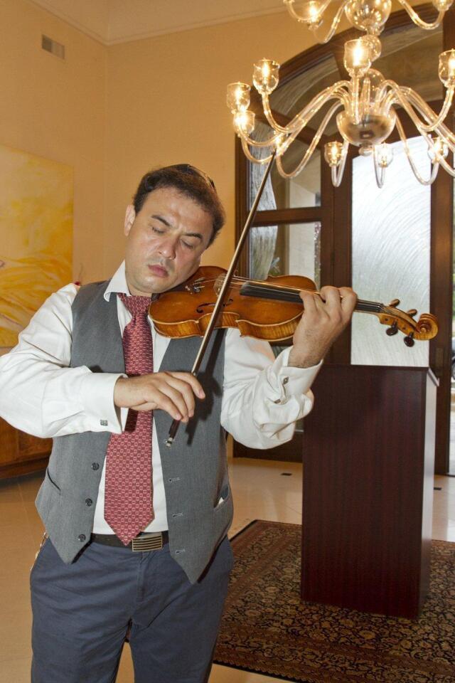 Violinist Jonathan Leviim