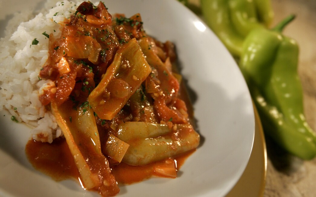 Hungarian tomato and pepper stew