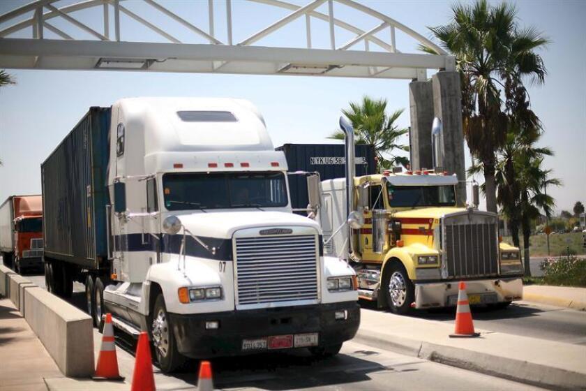 Camioneros de Colorado deberán combatir tráfico humano para obtener licencias
