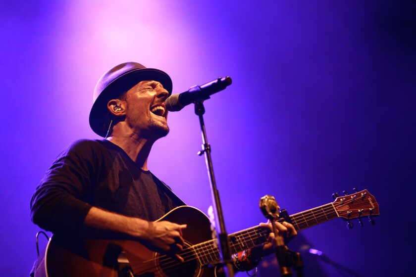 Singer/songwriter Jason Mraz recently split with manager Bill Silva. (Misael Virgen)