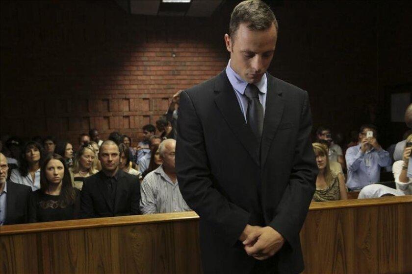 El atleta sudafricano Oscar Pistorius, acusado del asesinato de su novia, la modelo Reeva Steenkamp. EFE/Archivo