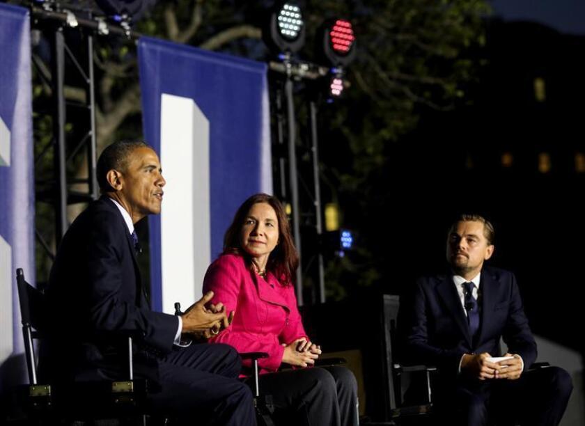 """El presidente de EE.UU., Barack Obama, y el actor Leonardo DiCaprio destacaron hoy la urgencia de tomar más medidas en la """"carrera a contratiempo"""" que es la lucha contra el cambio climático, y la importancia de que los estadounidenses tengan presente ese tema a la hora de votar las elecciones de noviembre."""