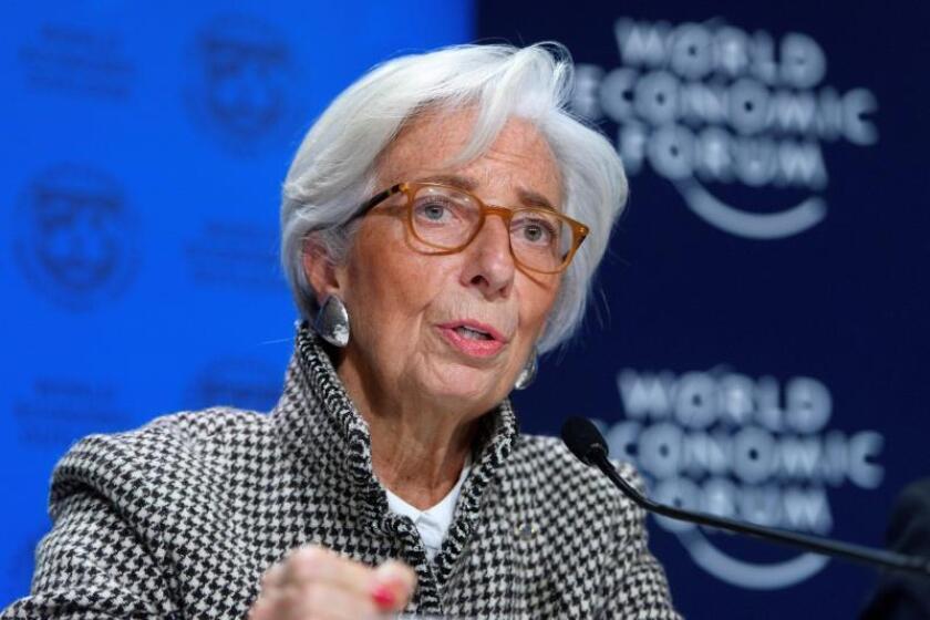 La directora gerente del Fondo Monetario Internacional (FMI), Christine Lagarde, ofrece una rueda de prensa en Davos (Suiza) hoy, 22 de enero de 2018, en la víspera de la celebración del Foro Económico Global de Davos desde el 23 hasta el 26 de enero. EFE
