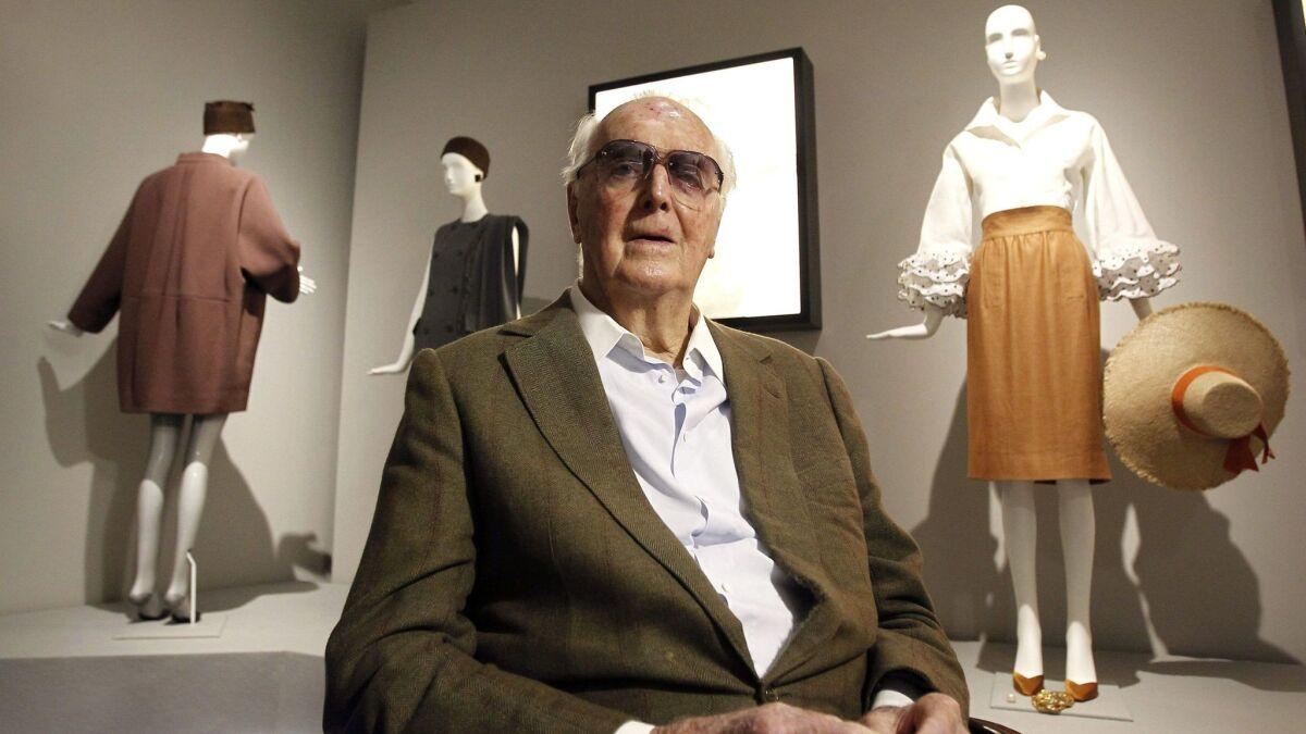 Hubert De Givenchy Dies At 91 Courtly Designer Dressed Audrey Hepburn Built Fashion Empire Los Angeles Times