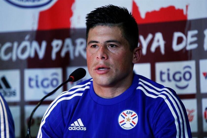 En la imagen, el futbolista paraguayo Jorge Moreira. EFE/Archivo