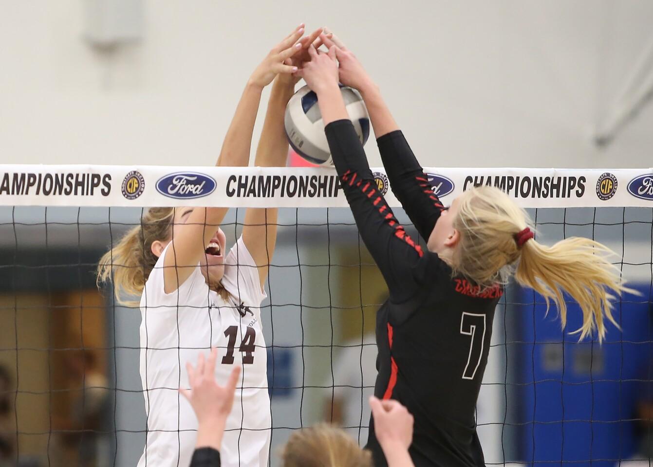 Photo Gallery: Laguna Beach vs. Sun Valley Village Christian in girls' volleyball